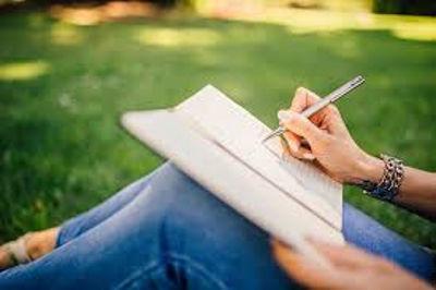 scrivere un libro fa guadagnare